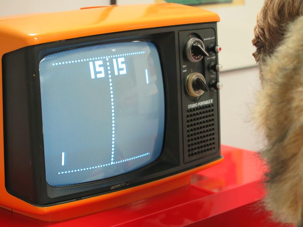 80er Jahre Spielkonsole